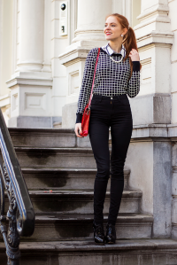 2015-02-25-Ways-To-Wear-Black-High-Waisted-Skinny-Jeans-Fashion-Blogger-Outfit-6