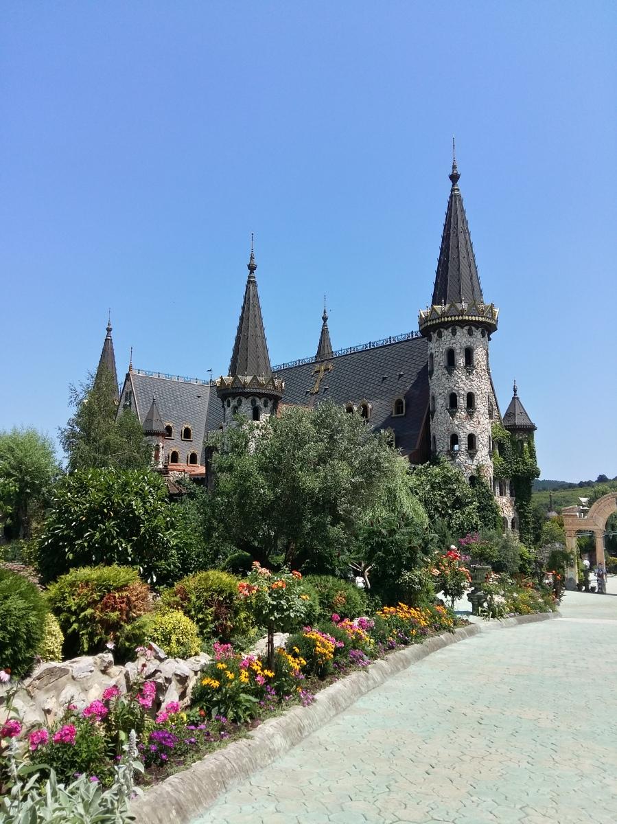 """Замъкът в Равадиново: """"Влюбен във вятъра""""/The Castle of Ravadinovo: """"In love with the wind"""""""