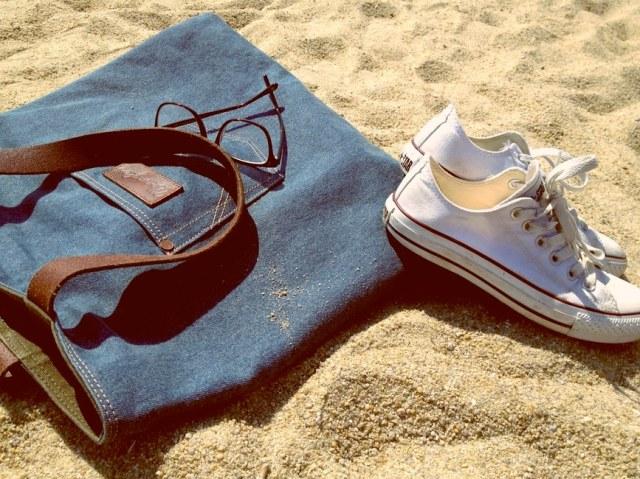 sneakers-beach
