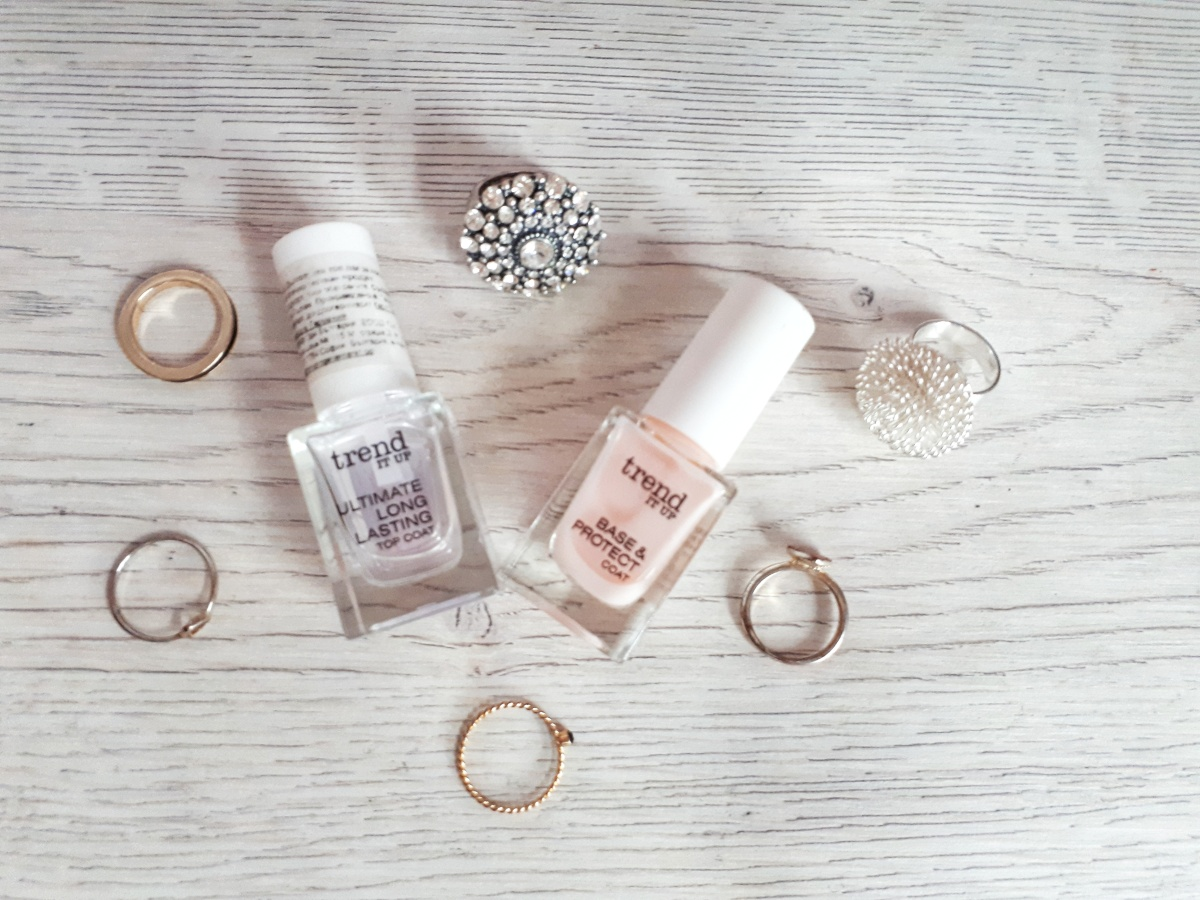Review: Trend It Up Base & Protect Coat and Ultimate Long Lasting Top Coat