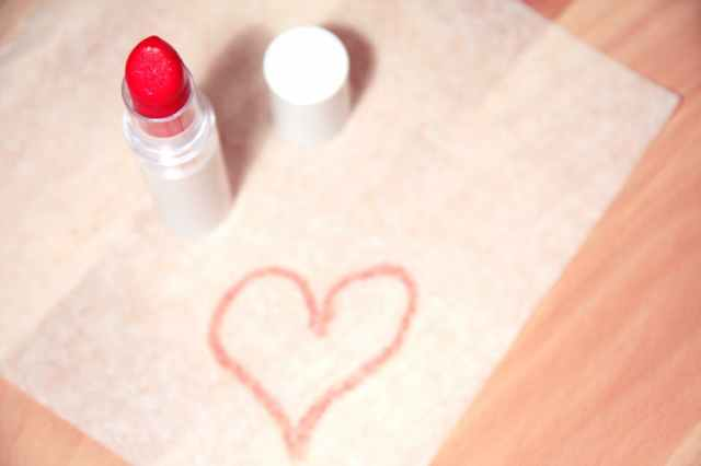 lipstick beauty blogger tag